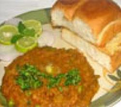 Pav Bhaji (Flat Buns with dry mix veg curry)