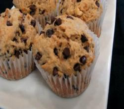 Lynn&#039;s Peanut Butter Chocolate Chip Muffins