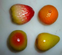 4 fruit-shaped marzipan