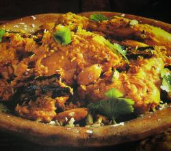 Chicken Korma in Earthenware