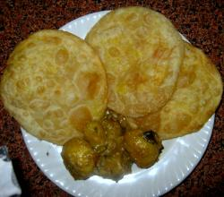 Dal Puri and Aloor Dum