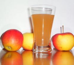 Apple juice with 3apples