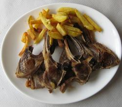 Baby lamb chops with French Fries
