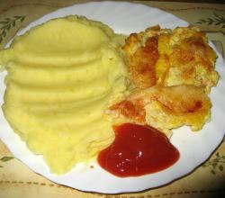 Baked fish fillets with egg, mashed potatoes