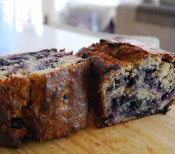 Banana and Blueberry Cake with walnuts