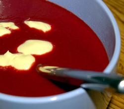 Beetroot soup with aioli
