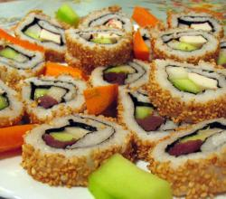 California Roll and Tuna Roll