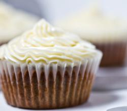 Chai white chocolate cupcakes