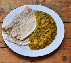 Chapati and Beans Curry