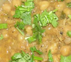 Coriander Garnished Chole