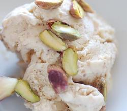 Dried fig ice cream with pistachios