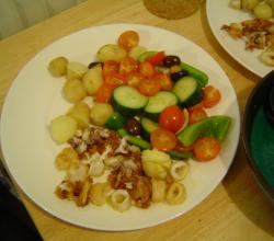Fried squid, potatoes, salad