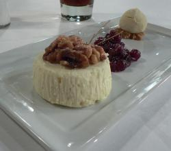 Goat cheese cake with ice cream