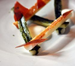 Grilled leeks with ashes