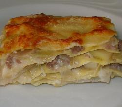 Lasagna with leeks and sausage
