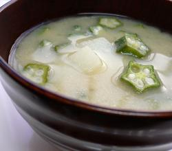 Miso soup with okra and nagaimo