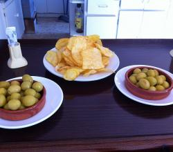 Olives and chips