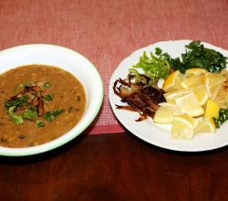 Pakistani Haleem served with garnish
