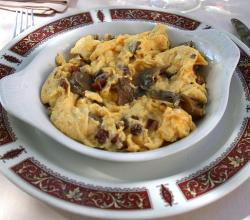 Scrambled egg with mushrooms