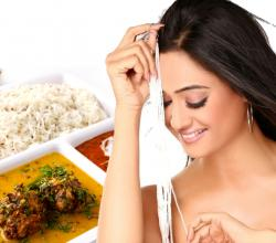 Shweta Tiwari with Indian Food