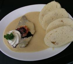 Sirloin in cream sauce and dumplings