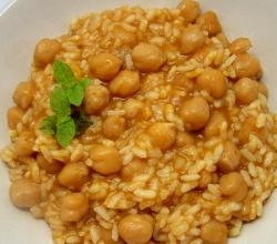 Sopa De Arroz Con Garbanzos