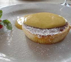 Treacle tart with custard