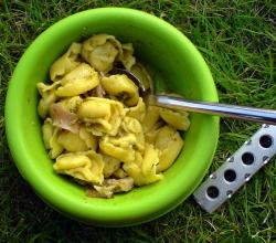Troffeltortellini with broad leaf parsley