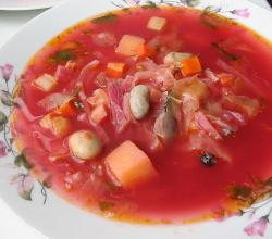 Ukrainian red borscht