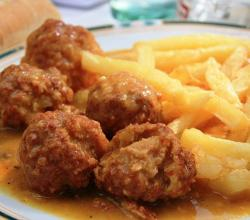 Veal Meatballs with French Fries
