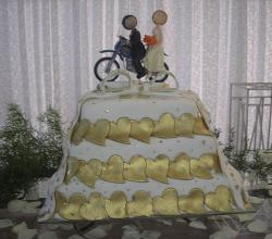 Golden Heart Wedding Cake