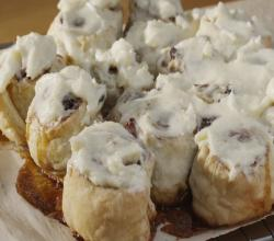 Puff Pastry Cinnamon Rolls with Cream Cheese Frosting