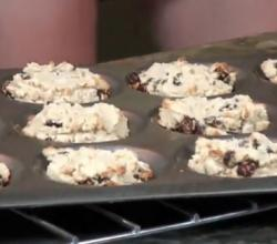 Healthy Vegan Raisin Cashew Cookies