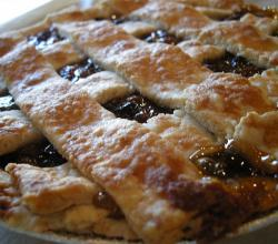 Raisin Crisscross Pie