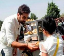 Ranbir Kapoor Caught Selling Vada Pav