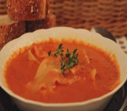 Roasted Tomato Soup with Cheesey Ravioli