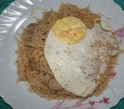 Vermicelli with Sausage and Poached Egg