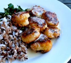 Scallops With Glazed Walnuts