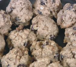 Spiced Sweet Oatmeal Cookies