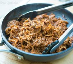 Slow Cooker Pulled Pork (How to Make Crockpot Pulled Pork)