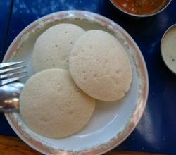 IDLI :Traditional Fastfood from South India