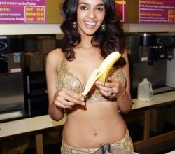 Bollywood Actress Mallika Sherawat Makes Her Own Milkshake!