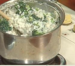 Pesto Garlic Risotto with Chicken & Broccoli