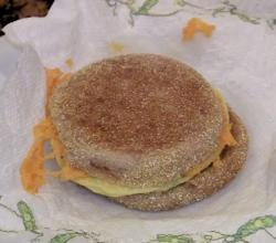 Vitalicious VitaSandwich Egg N Cheese with Veggies Review