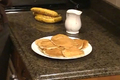 How To Make Banana And Walnut Pancakes With Honey