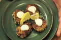 How To Make Crab Cakes With White Sauce
