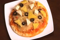 Paneer Pizza With White Sauce