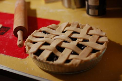 pie with rolling pin