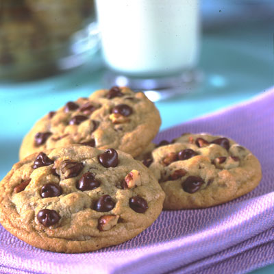Chocolate chips baked cookies ready to be served.