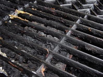 How to clean rusty grill grates when your grill has not been in use for long